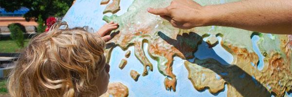 educar com o coração de cristina tébar apontando o globo - Educar com o Coração, de Cristina Tébar
